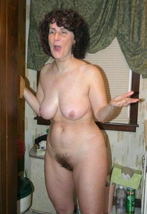 First-timer mature girls trifle their bosoms pics