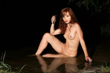 Nude alison sudol Alison Sudol