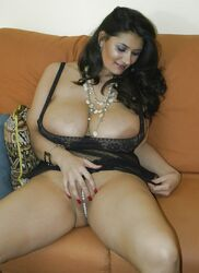 Alexandra dowling nude
